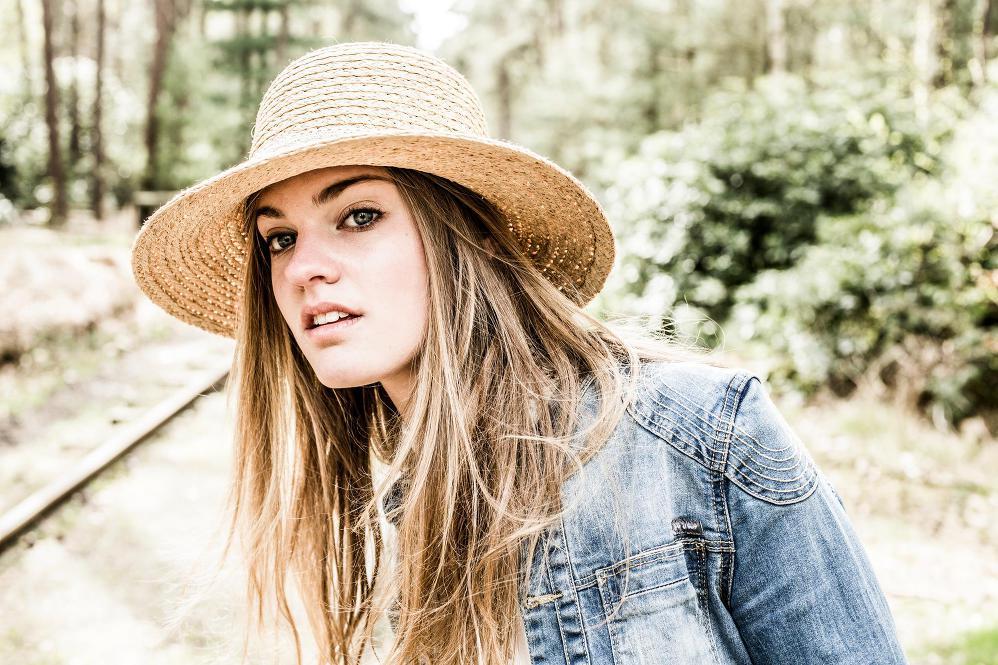 Emma Bale, singer, songwriter, makeup artist